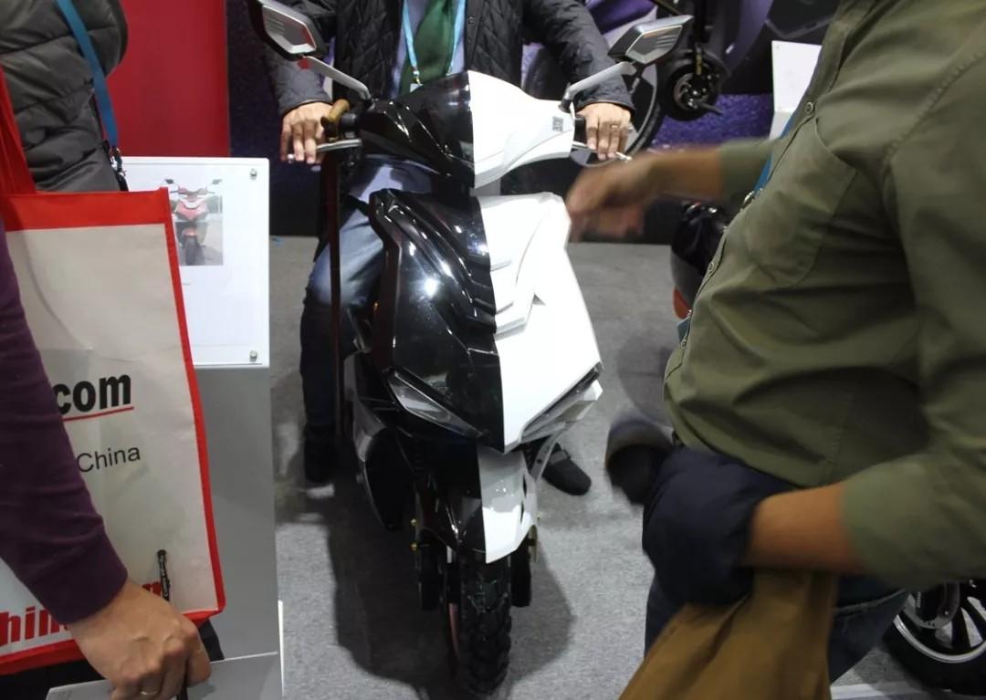 除了燃油摩托车,广交会还有这些新奇有趣的电动车
