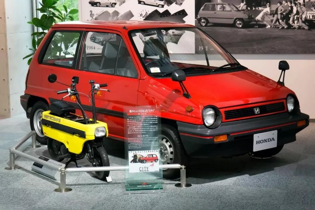 Honda Motocompo 改造而来的两冲迷你霸王