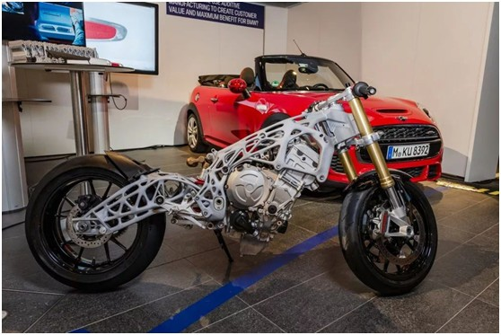 3D打印技术加持,雅马哈 XSR900 法式复古改装