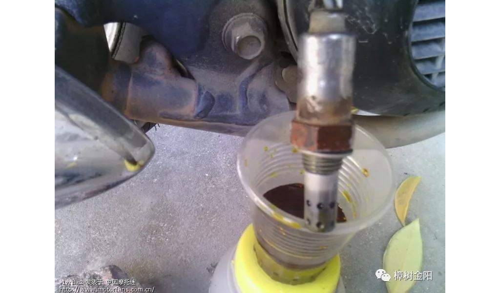 排气管上这个小疙瘩是摩托车省油好用的关键,选错就亏大了!