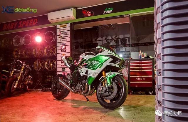 迪拜警队不提这台H2,真对不起它土豪气质了!