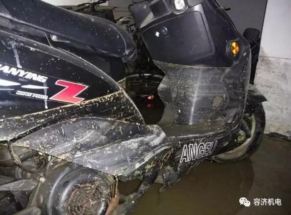 摩托车泡水后,打不着火怎么办?