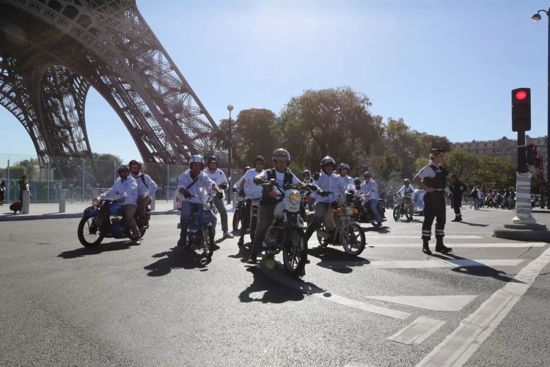 230余辆复古车共庆标致摩托120周