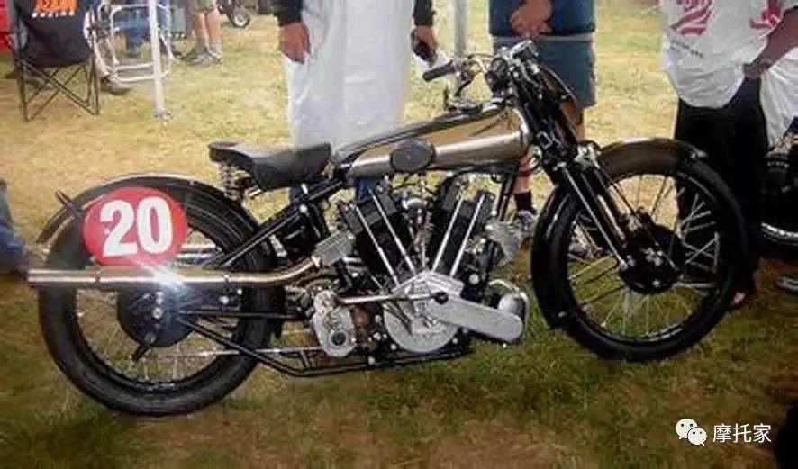 毒物/摩托车中的劳斯莱斯Brough Superior SS80