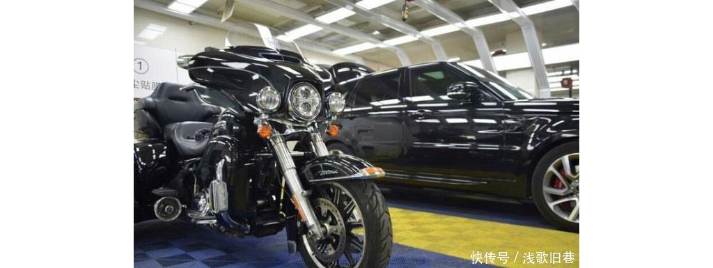 花1万多给摩托车贴车衣看到这车后,网友一致认为贴得值