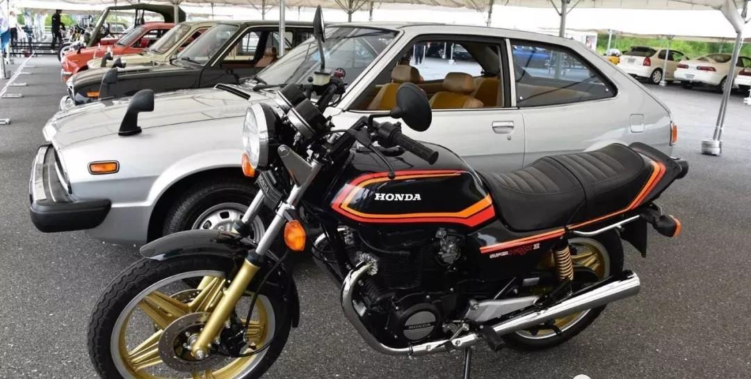 本田大法一代名车,双缸超级雄鹰! 本田「SUPER HAWK III」