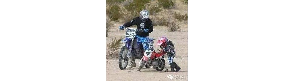 前方高能!摩托花式秀特技