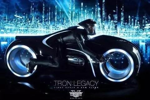 无轮辋的科幻摩托车已经上市,售价19万元,68匹马力,最大续航300公里