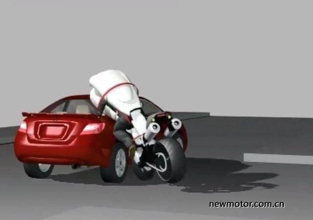 ▶喜大普奔!摩托车弹射座椅秒变安全胶囊