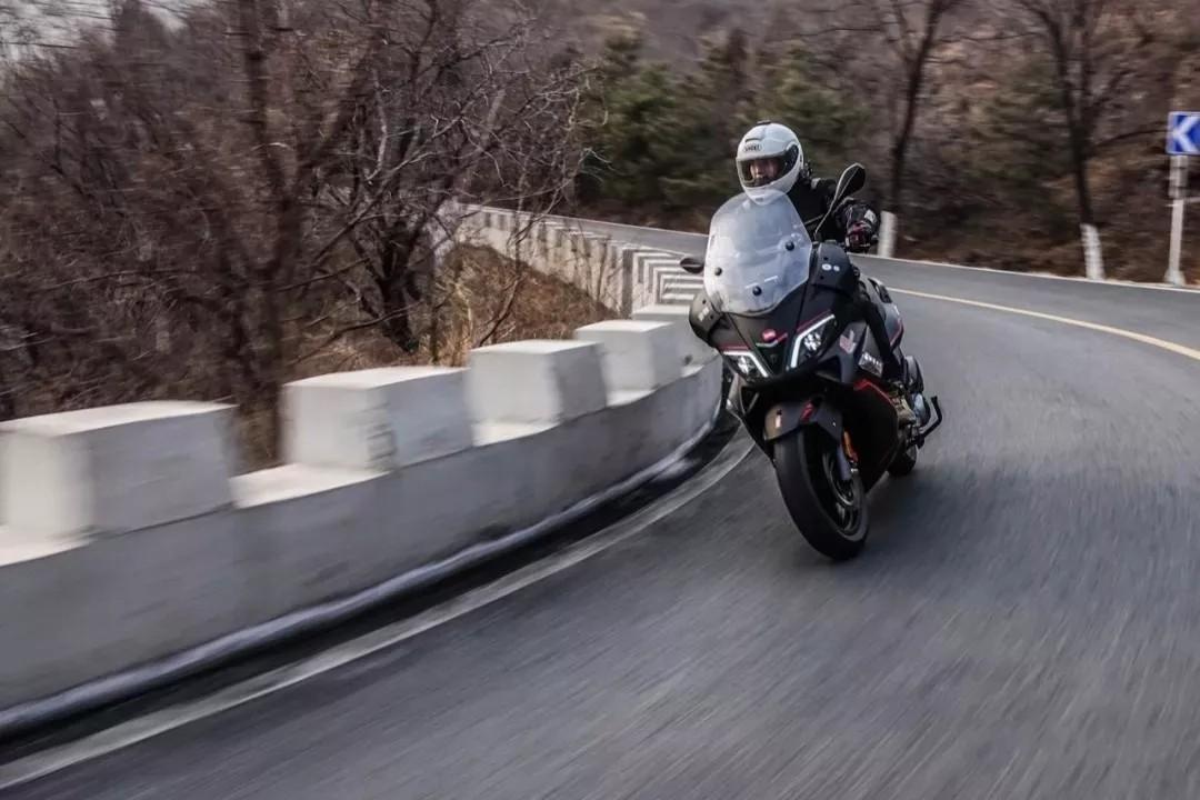 谁说大踏板没运动性!自由机械多路况试驾 SR Max300