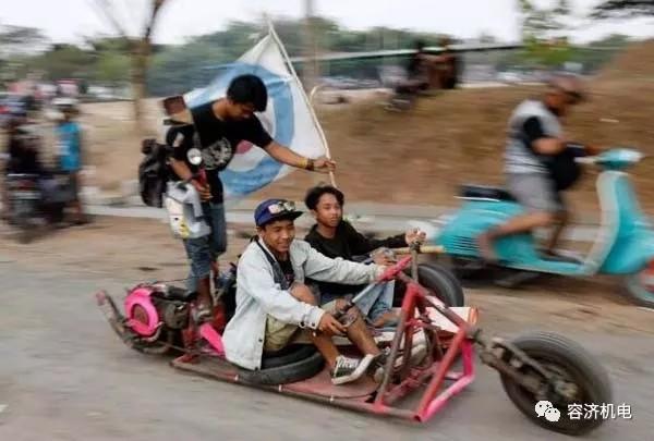"""印尼""""疯狂摩托车改装节""""参赛改装作品一辆比一辆惊悚!"""