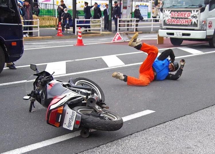 别让摔车意外找上你!万博体育骑士必备技巧完