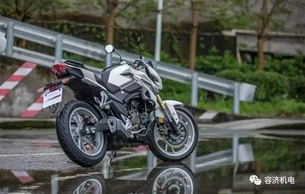 买了或打算买电喷摩托车的,注意不要触碰这
