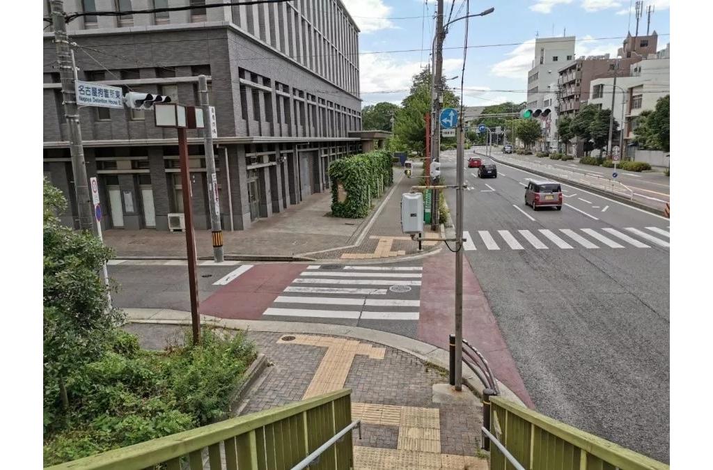 非机动车被迫去机动车道骑行?背后的道路设计你怎么看