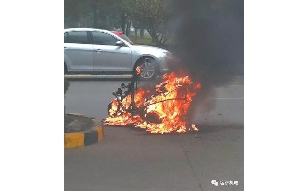 夏季频发:摩托车漏油引起自燃,该怎么预防?