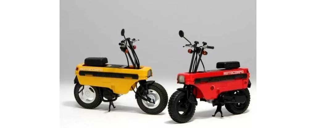 本田折叠小板凳摩托车,车重仅有45KG,最高时速100公里,油耗1升