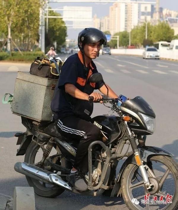 """摩托车管控多个城市喊""""禁"""" 广州两次""""续禁"""""""