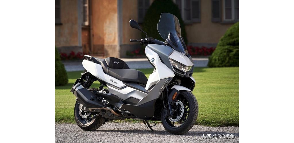 入门大踏板摩托,宝马C400GT旅行车款,单缸水冷34马力标配ABS