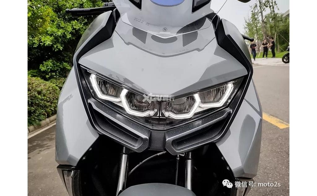 宝马C400 GT踏板公布售价 8.29万元起售