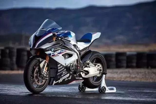 寶馬將推出M命名的高性能版本摩托車,將比S1000RR更強悍