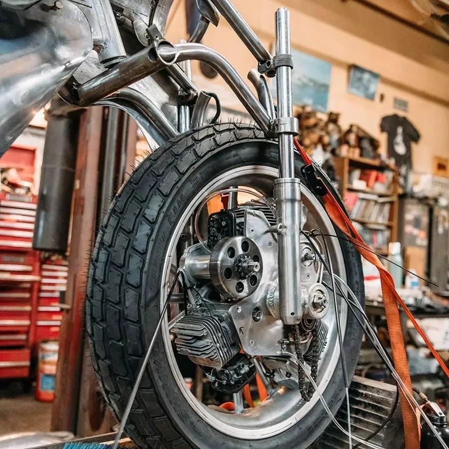 脑洞够大!前轮驱动的摩托车