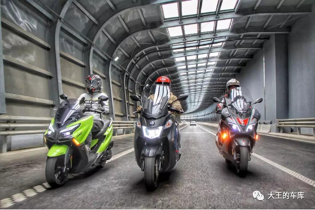 300cc大踏板不知道怎么⌒ 选?看这篇准没错!――光阳CT300、三阳joymaxZ300、阿普利亚SR ...