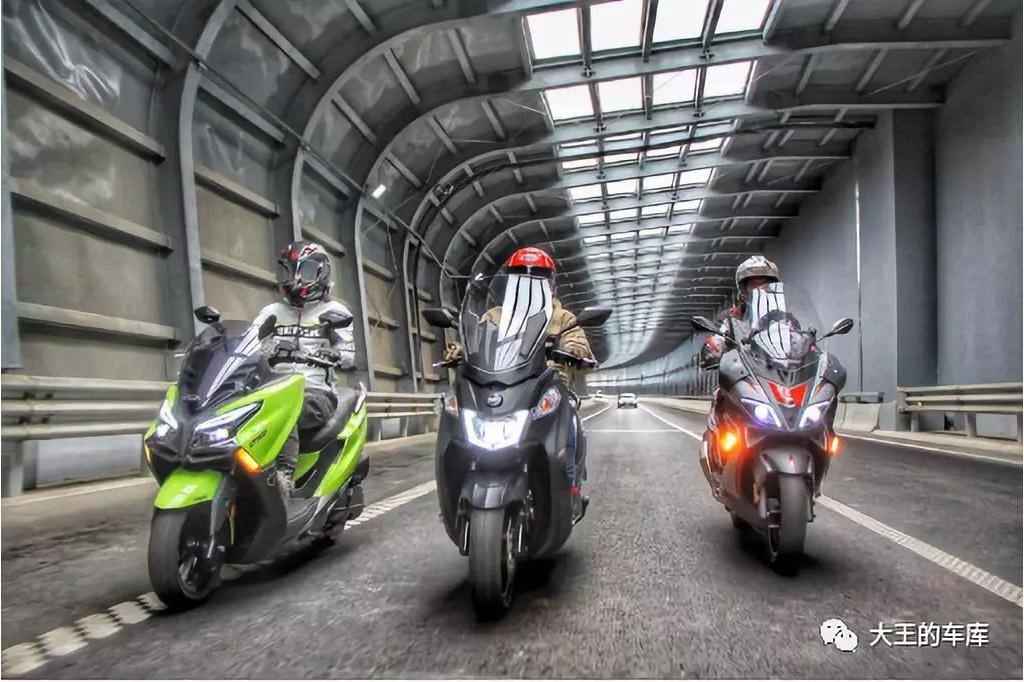 300cc大踏板不知道怎么选?看这篇准没错!——光阳CT300、三阳joymaxZ300、阿普利亚SR ...