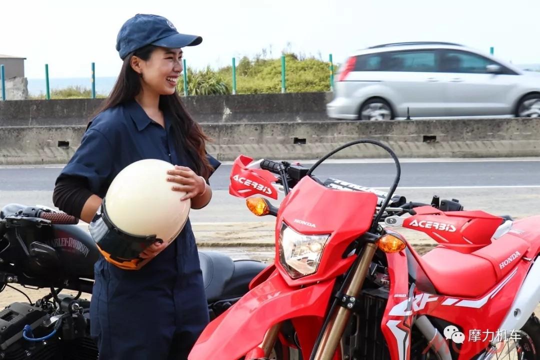 越野不是男生的专利 身高165的台湾女骑士已经完全驾驭本田CRF250