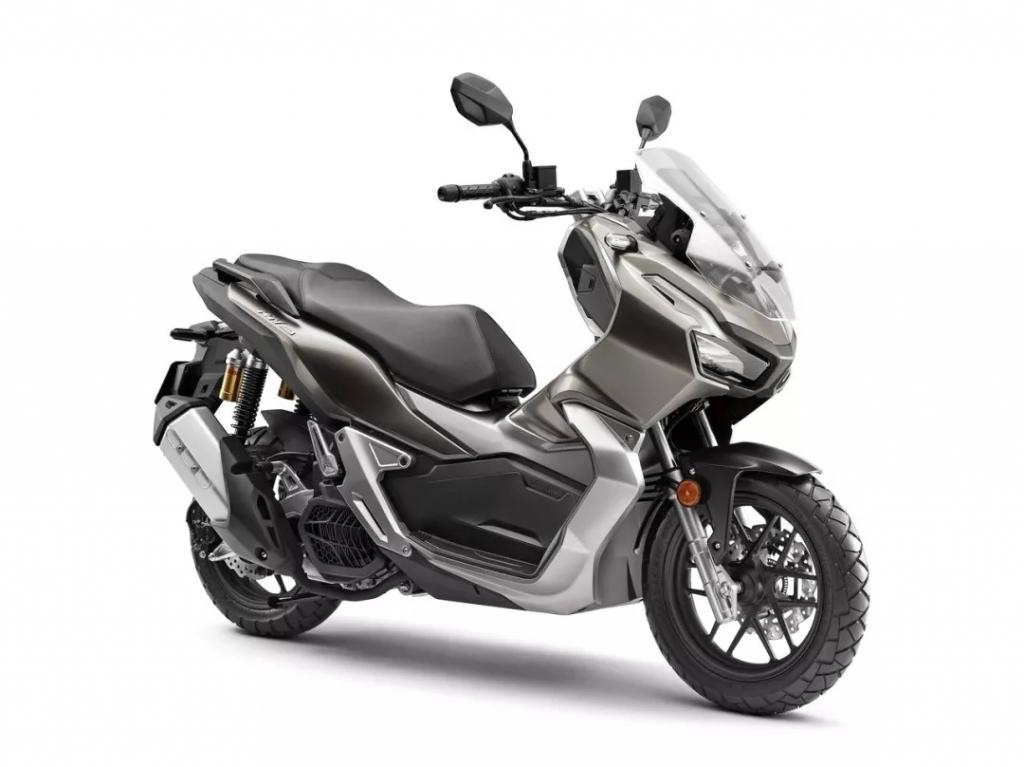 特写:Honda ADV150 越野踏板