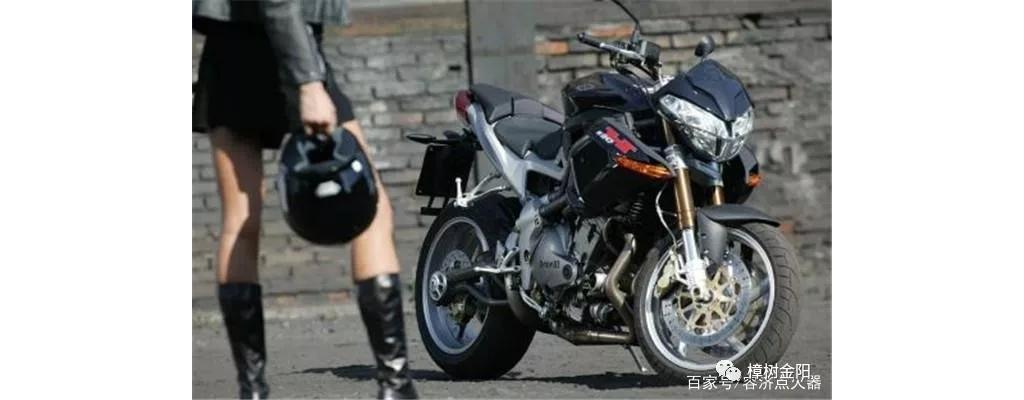 市内通勤,最好的交通工具还是摩托车!