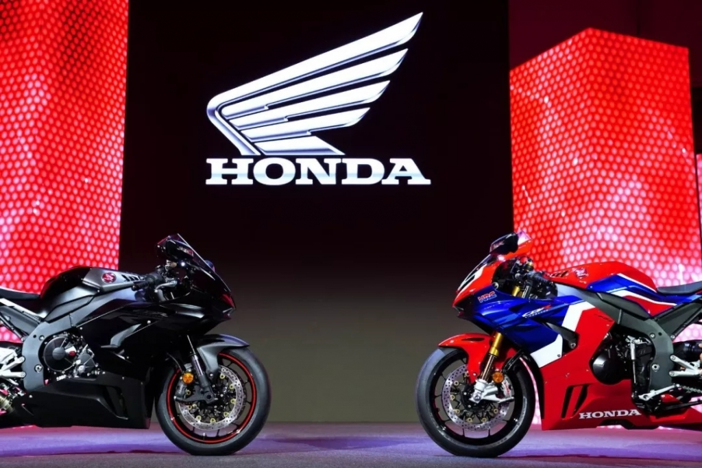Honda 全新 WSBK 赛车 CBR1000RR-R SP 亮相
