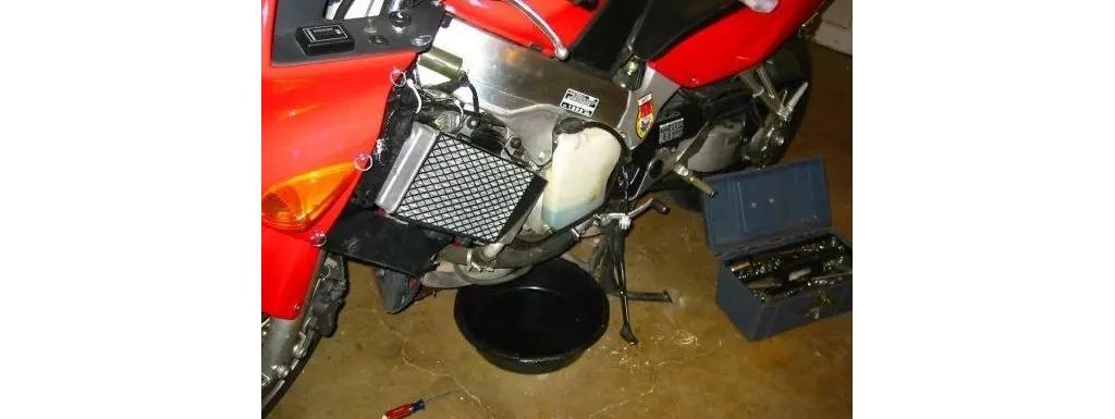【防冻液小常识】摩托车冷却液多长时间换,怎么选?