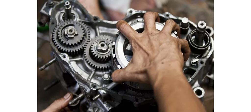 摩托车修理工:明年我可能不会再干这行了