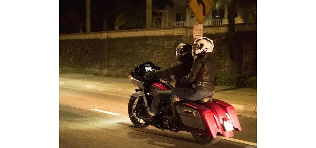 夜晚骑摩托车,最怕遇到什么?