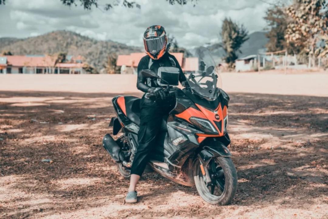 探秘老挝丨「艳遇」才是摩托车公路旅行正确的打开方式!