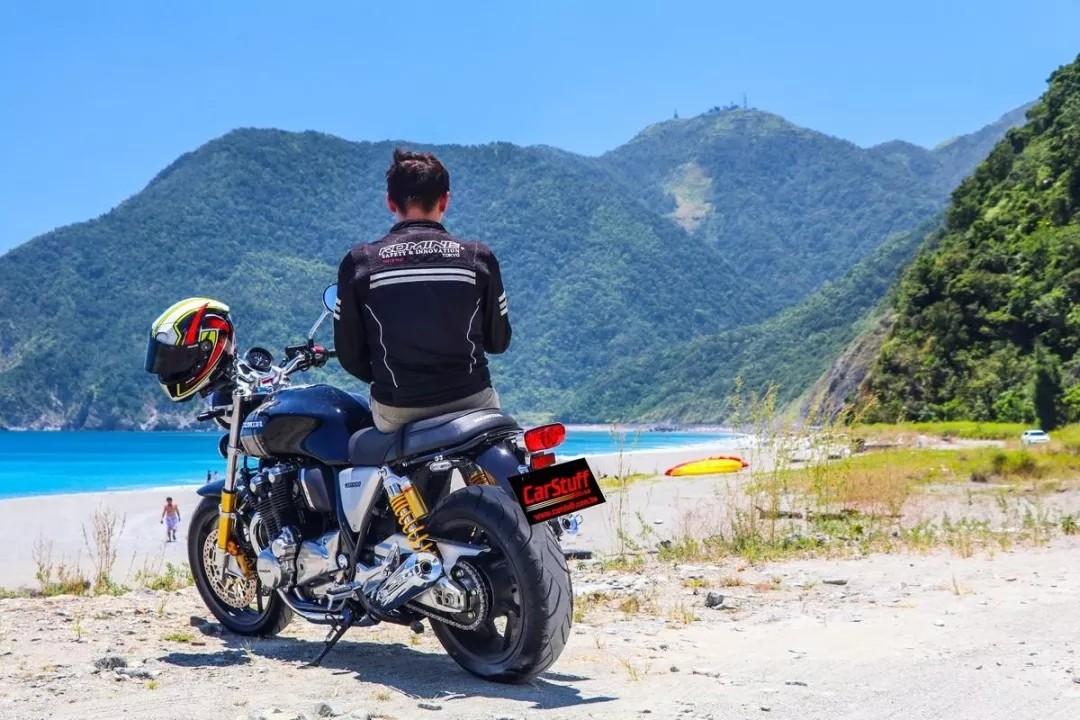 一辆燃油摩托车用一年大约多少钱?