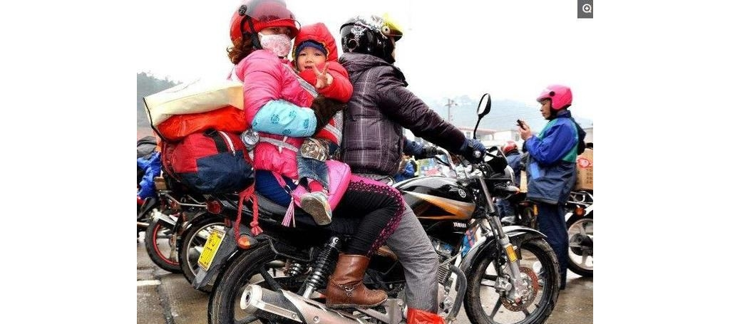 高速上也能开摩托车了,过年选择开摩托回家?摩友:路费贵过油费