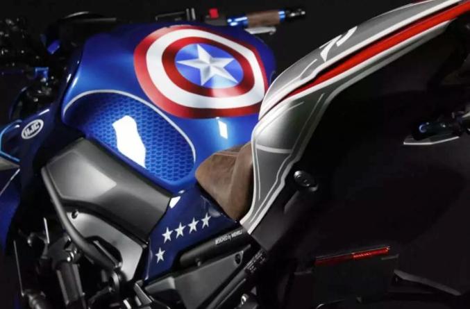 川崎Z900改裝案例展示,全車的美國隊長元素