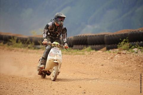 見過VESPA跑拉力賽嗎?車隊︰騎得開心最重