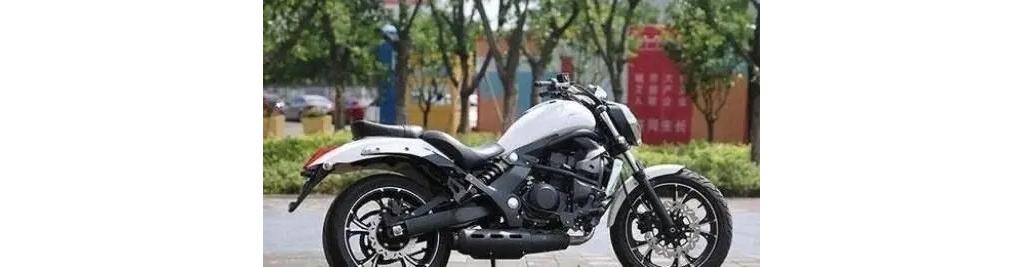 吉利不仅会制造汽车,而且还能生产摩托车,配置比外国摩托良心