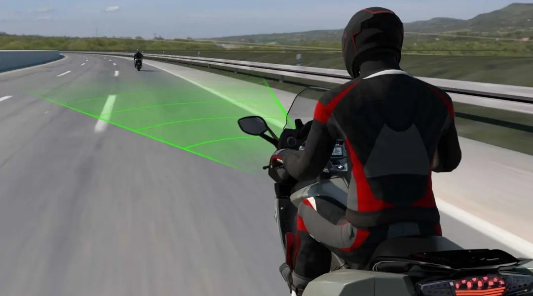 BMW Motorrad宣布推出新型主动巡航控制系统